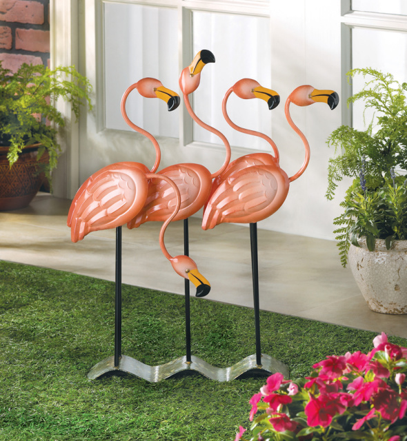 Beautiful Flamingo Garden Decor